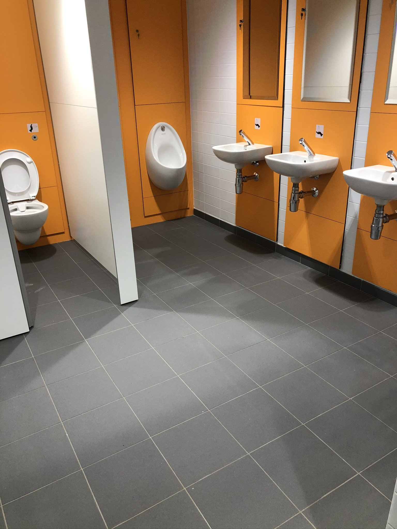 Reliable washroom services